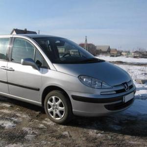 Продается автомобиль ПЕЖО-807 - большой семейный минивен.